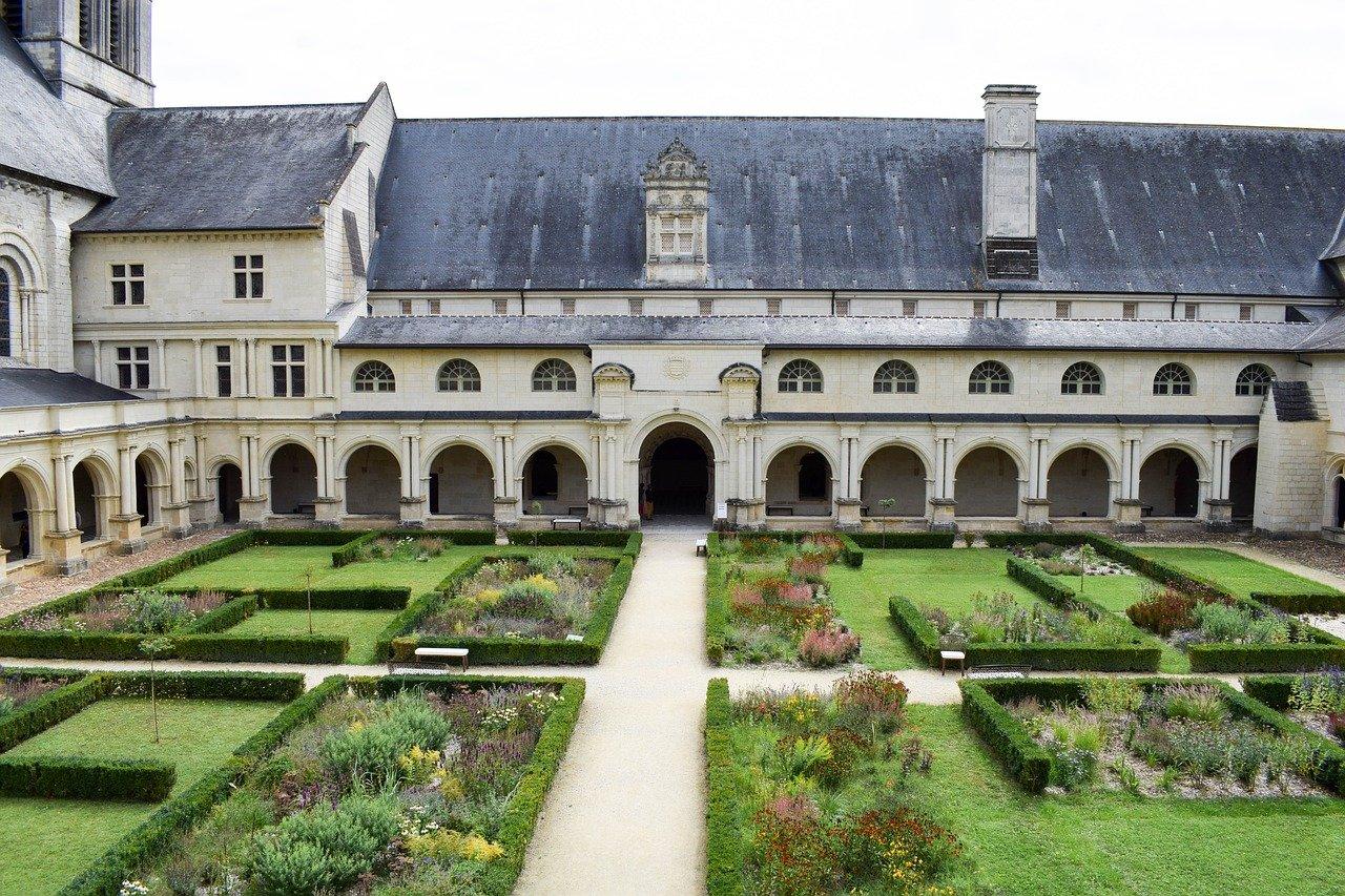 フォントヴロー修道院(フランス)